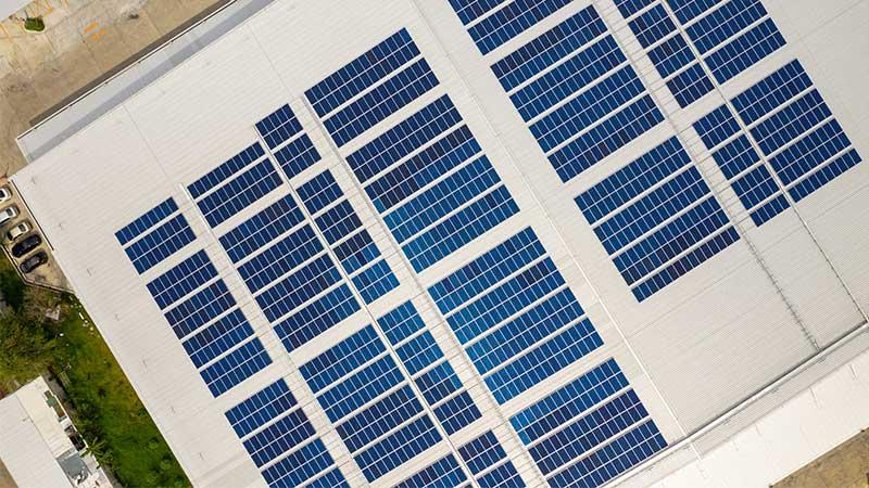 Finançament instal·lació solar per l'autoconsum per empreses i autònoms