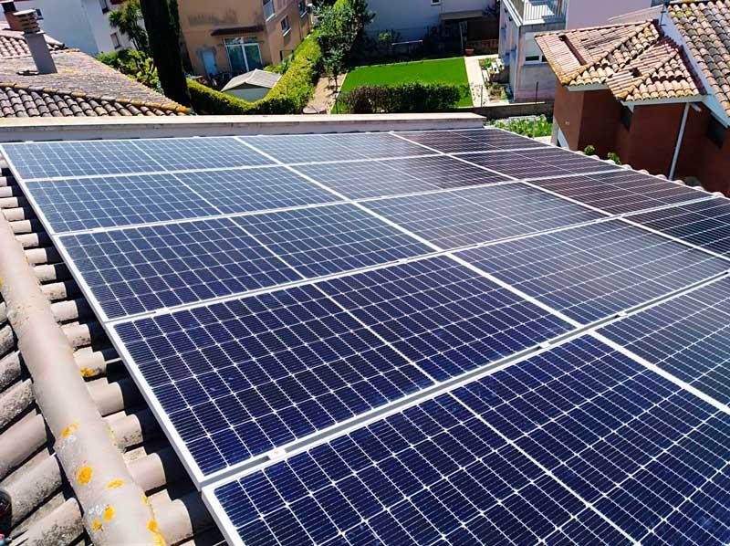 Instal·lació de plaques solars a Sant Gregori (Girona)