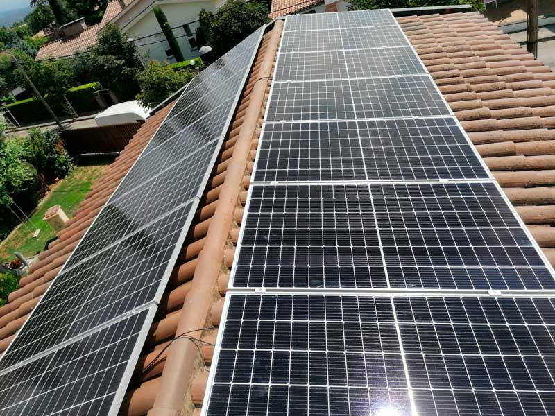 ENERGIA SOLAR FOTOVOLTAICA A TONA (BARCELONA)